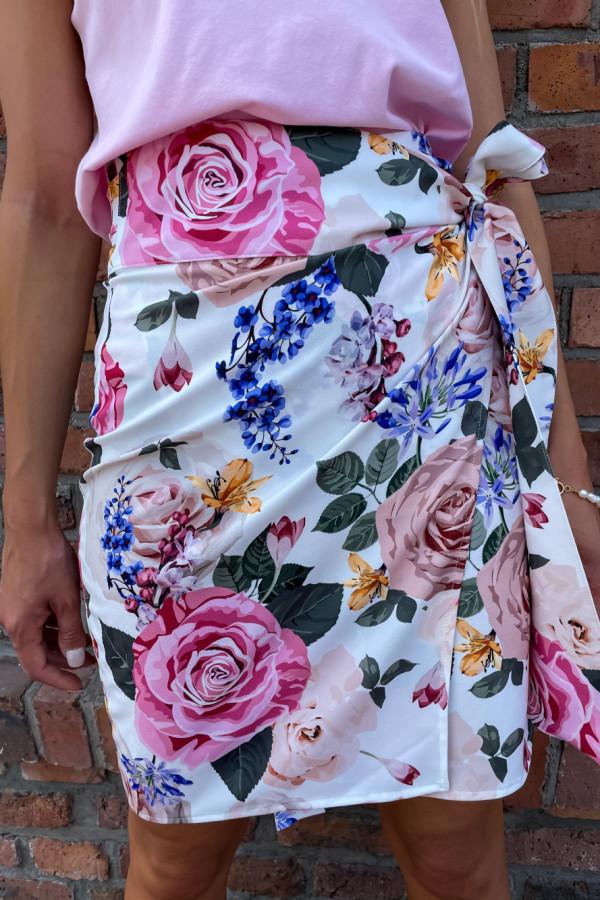 Spódniczka Abbi wiązana na boku śmietankowa w pastelowe kwiaty 7
