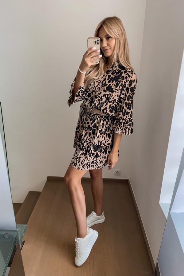 Sukienka Kama w panterkę oversize 4